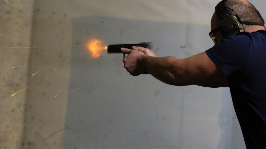 В Воронеже стартовал Кубок губернатора по практической стрельбе из пистолета