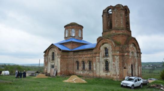 В острогожском селе Петренково жители начали работы по сохранению старинного храма