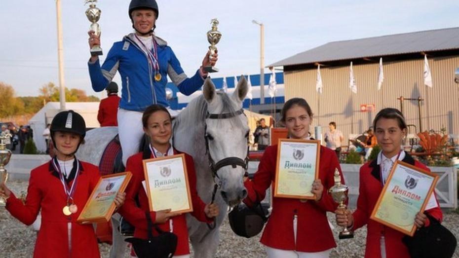 Павловские конники завоевали 1 и 3 места в конкуре в Белгородской области