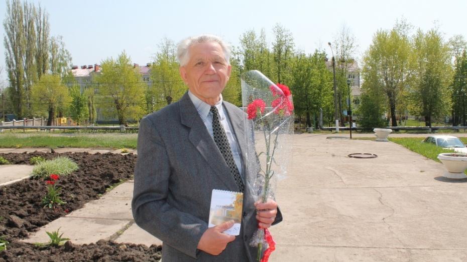 Житель поселка Хохольский написал 70 стихотворений о войне к юбилею Великой Победы