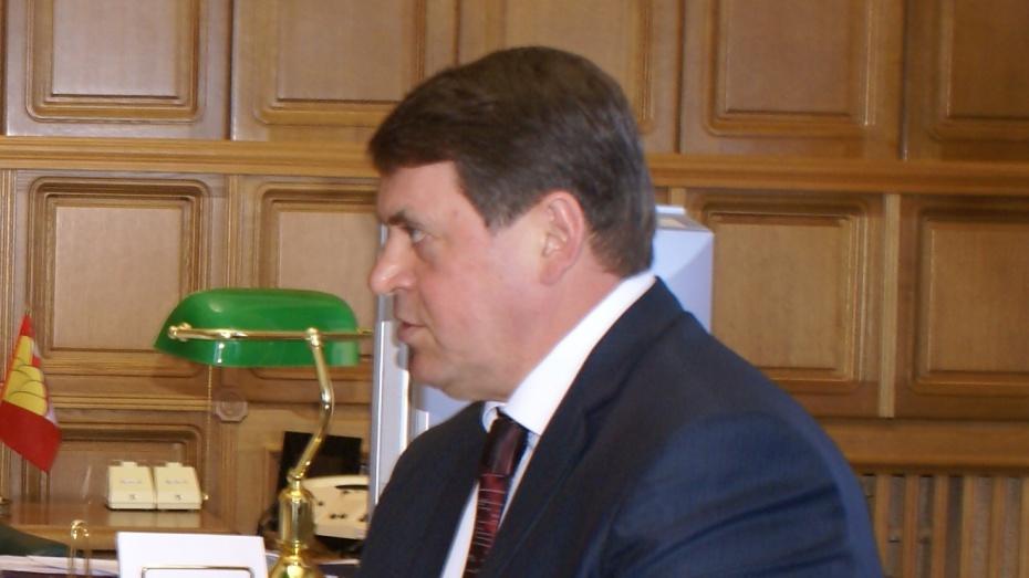 Сенатор от Воронежской области Геннадий Макин за год заработал 2,3 миллиона рублей