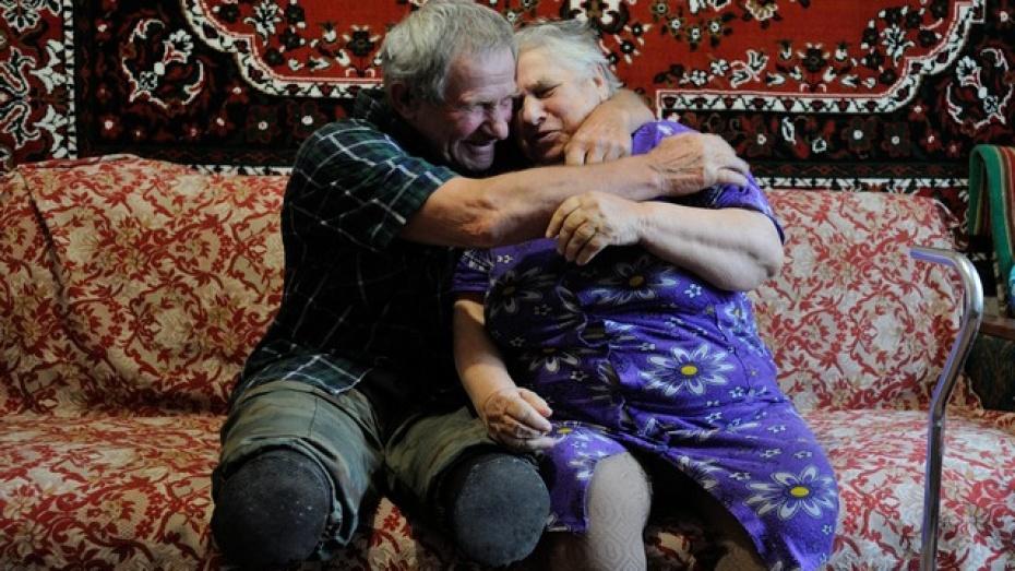 Инвалиды-колясочники супруги Крупень готовятся отметить «золотую» свадьбу
