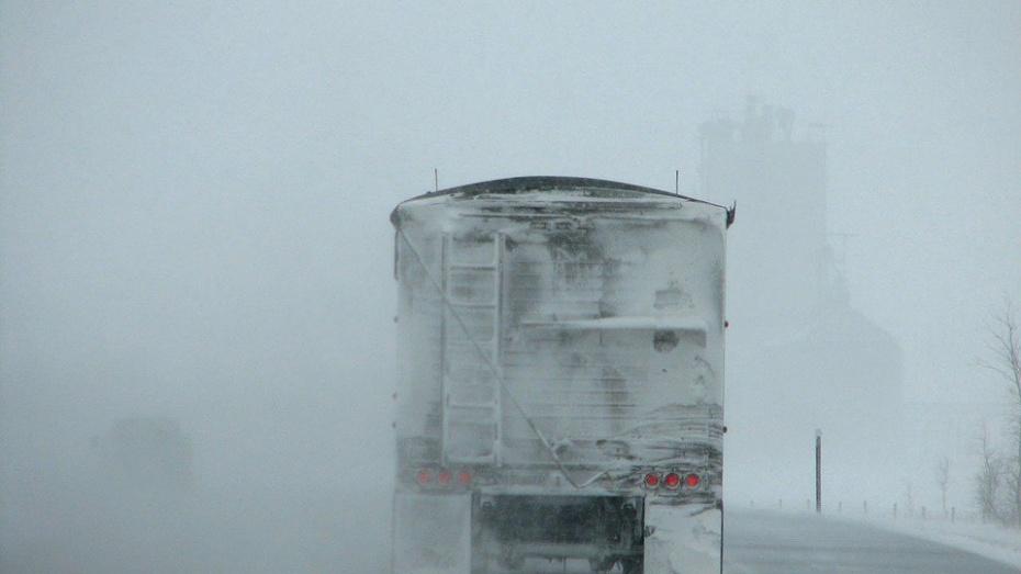 ВВоронежской области рецидивист угнал молоковоз иувяз вснежном заносе