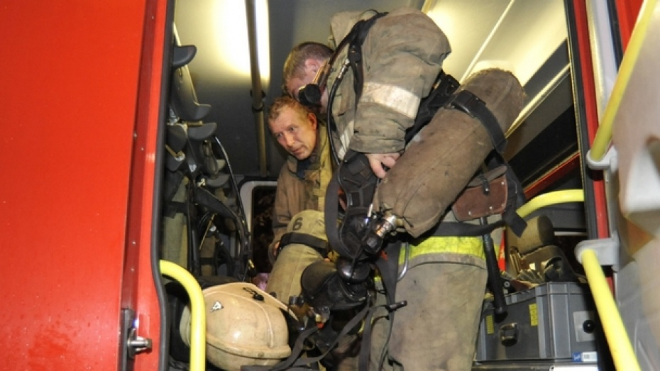 В Воронеже двоих детей, пострадавших на пожаре на улице Ворошилова, перевели из реанимации в обычную палату