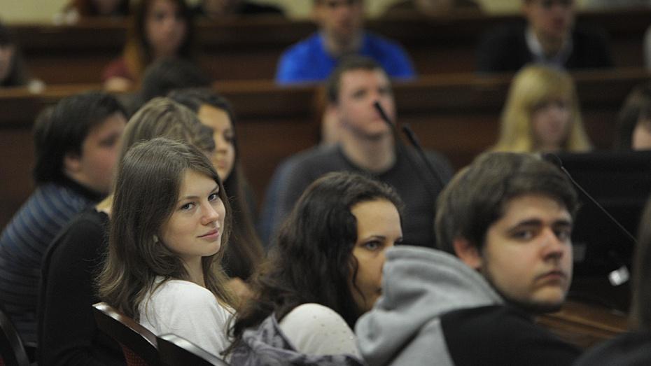 Губернатор и спикер облдумы поздравили воронежских студентов