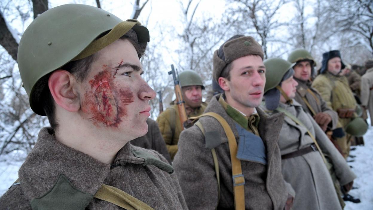 «Наблюдали в слезах». В Воронеже реконструировали эпизод битвы за город
