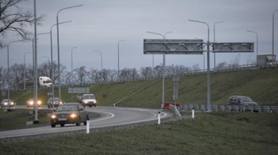 Ночью молодой парень насмерть сбил старушку на трассе в Воронежской области