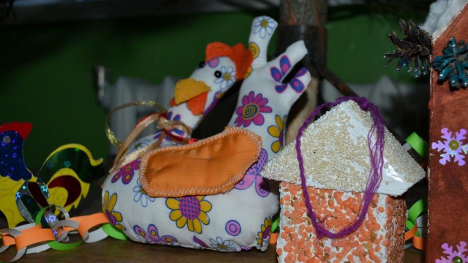 Лискинцев научат мастерить елочные игрушки