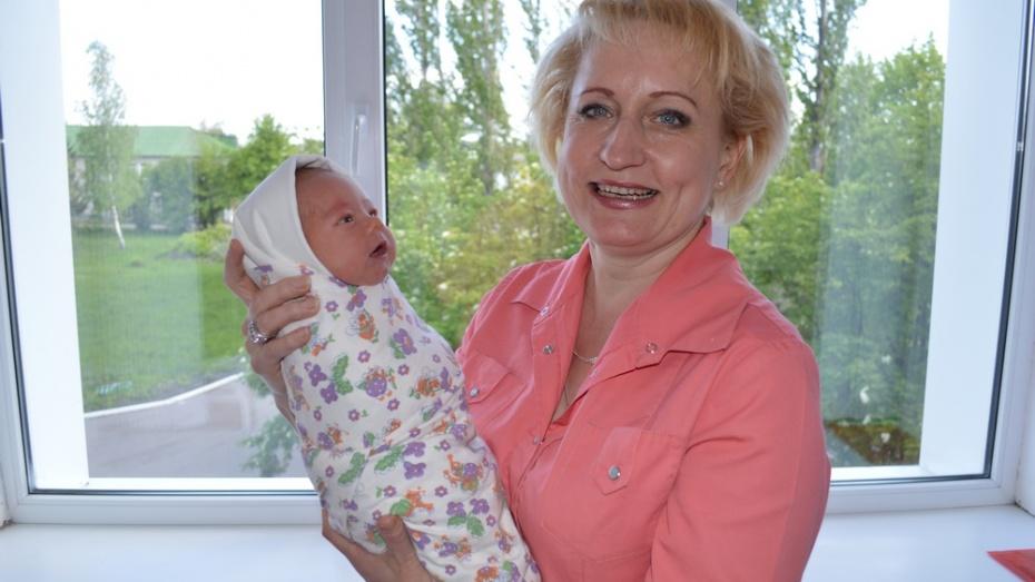 Жительница Эртильского района стала одной из лучших акушерок Воронежской области