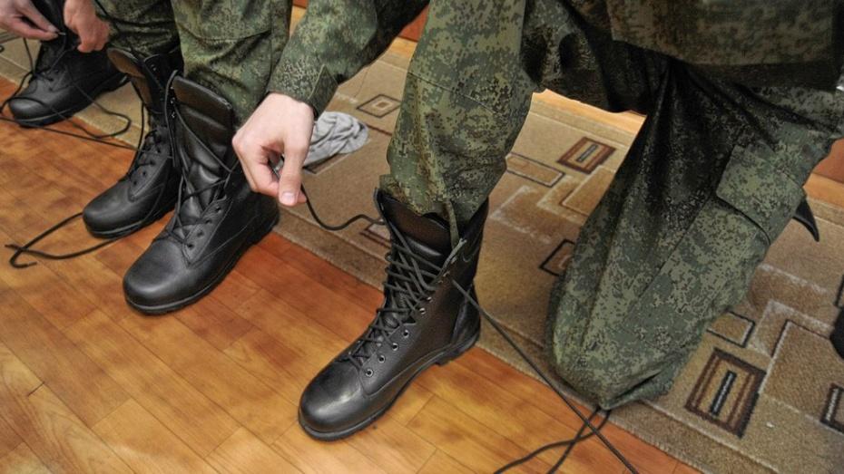 В российской армии число контрактников впервые превысило число срочников