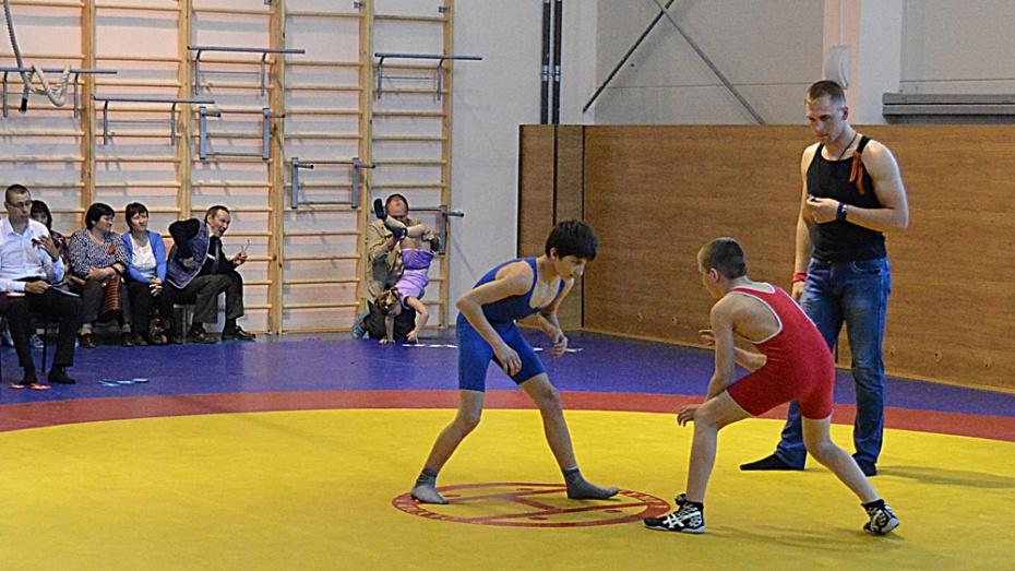 Эртильские борцы стали призерами областного турнира