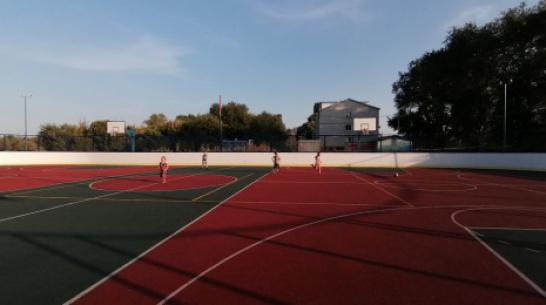 В школе эртильского поселка Красноармейский сделали многофункциональную спортплощадку