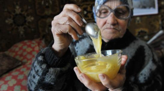 Одиноким пенсионерам в Воронежской области помогут продуктами и бытовой химией