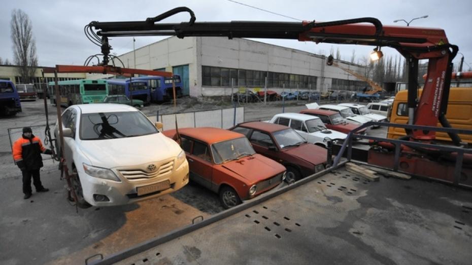 Воронежу не хватает почти 150 тысяч парковочных мест