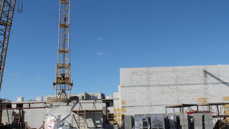 Хохольский суд прекратил  дело в отношении директора строительной фирмы