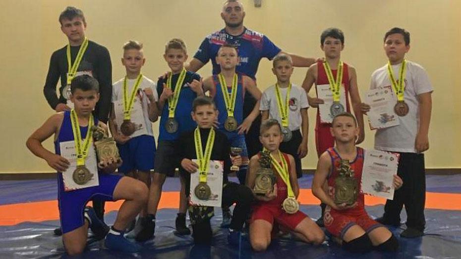 Лискинцы выиграли 4 золотые медали на областном турнире по борьбе панкратион