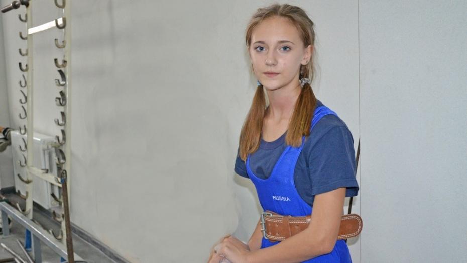 Лискинская спортсменка завоевала «золото» на первенстве области по тяжелой атлетике