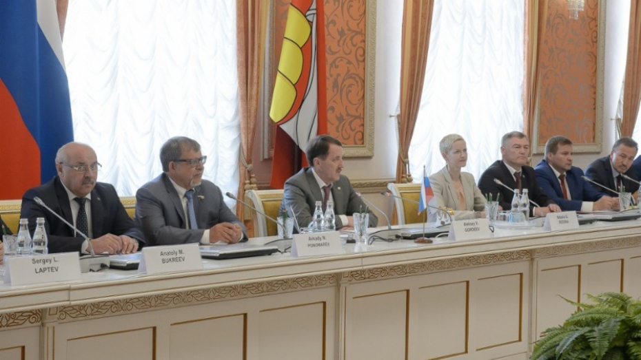 Воронежский губернатор сообщил, что готов сотрудничать сИзраилем повсем направлениям
