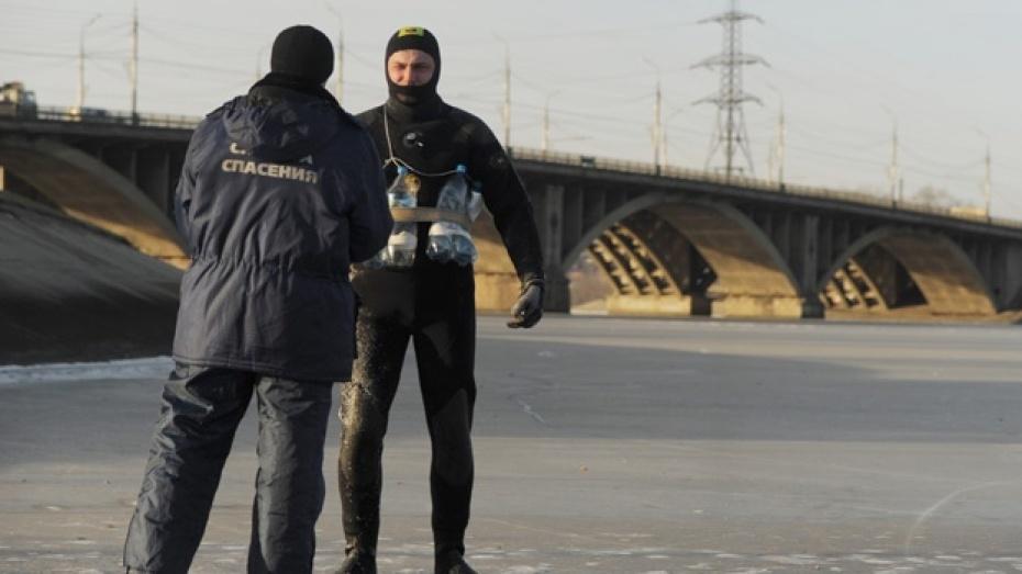 На воронежском водохранилище следят, чтобы машины не выезжали на лед
