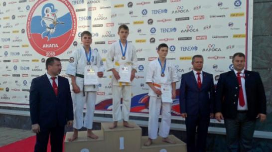 Верхнехавский каратист завоевал «золото» на XI всероссийских юношеских играх боевых искусств