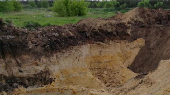 В россошанском селе Архиповка пресекли незаконную добычу песка