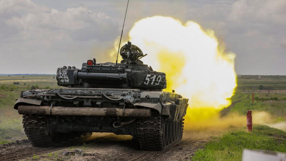В Воронежской области на видео сняли стрельбу из танков Т-72Б3