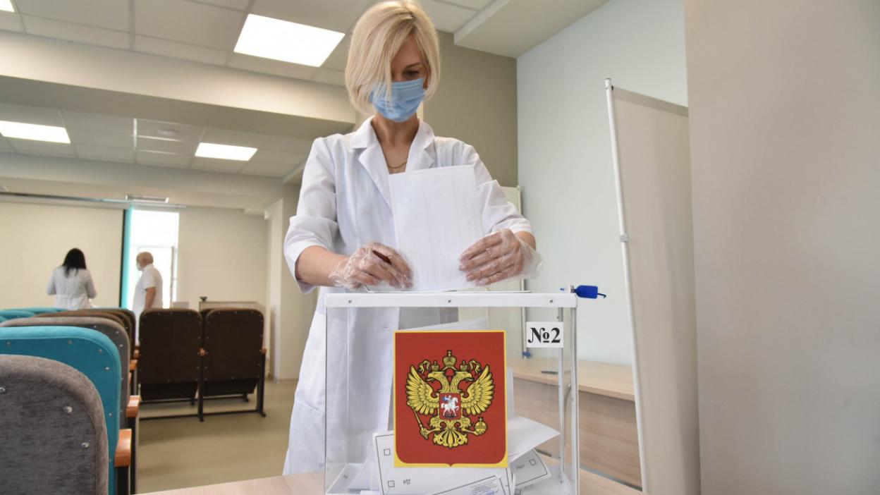 Без отрыва от пациентов. Воронежские медики проголосовали на рабочем месте