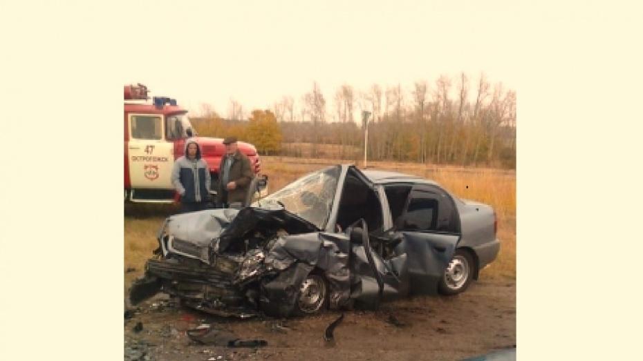 В Воронежской области в двойном ДТП пострадали 5 взрослых и ребенок