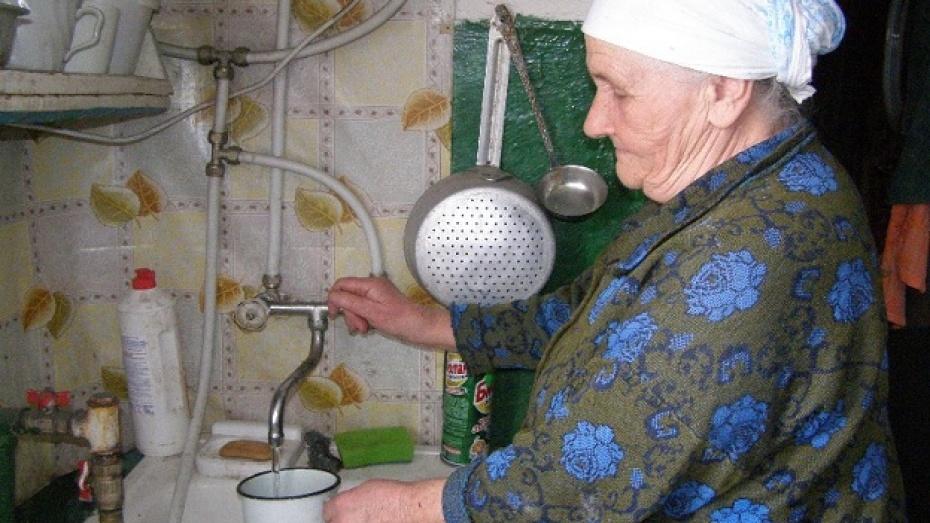 В водопроводе села Михнево Нижнедевицкого района появилась долгожданная вода