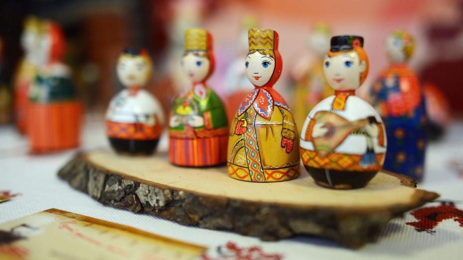 Воронежцев приглашают налекцию обистории матрешки