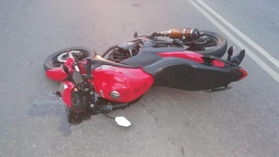 В Павловске 15-летний мотоциклист въехал в «Волгу»