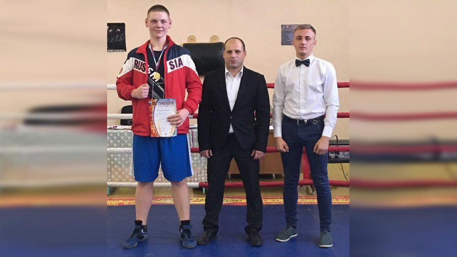 Грибановские боксеры выиграли 9 золотых медалей на открытом ринге
