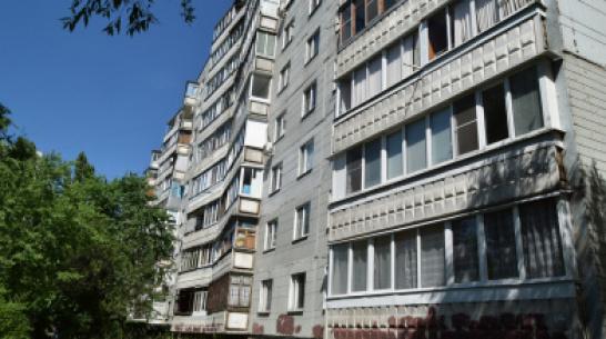 В Воронеже у дома на набережной Авиастроителей нашли тело 81-летней женщины
