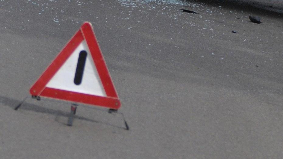 В Воронеже полицейский автомобиль попал в ДТП