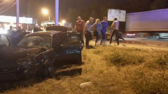 Водитель BMW сбежал с места ДТП с 2 пострадавшими на окраине Воронежа