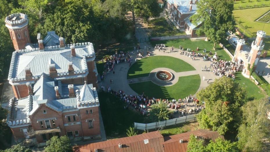Экологи обследуют парк Дворцового комплекса Ольденбургских под Воронежем