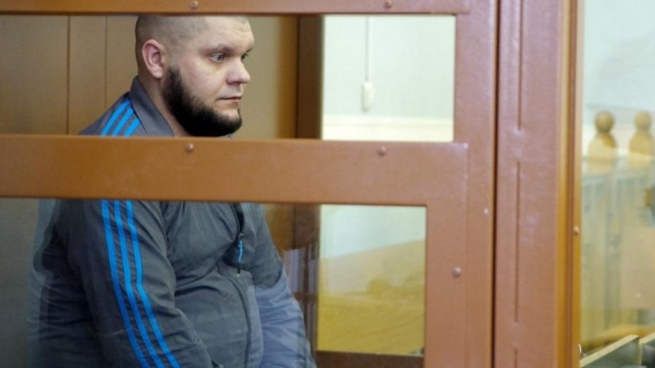 В Воронеже суд дал пожизненный срок убийце семьи в переулке Здоровья