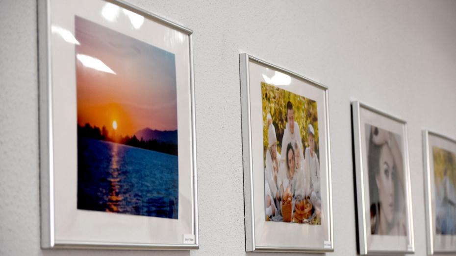В Калаче открылась выставка фотографий «Мгновения»