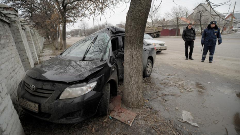 В Воронеже в ДТП на Брусилова пострадали два человека