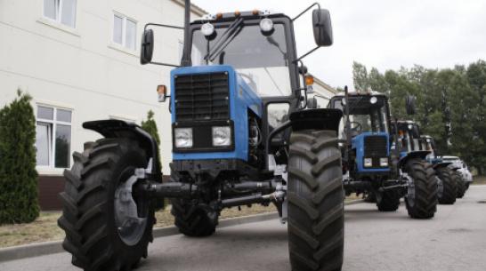 В Воронежской области сбитый трактором столб покалечил сотрудника агропредприятия