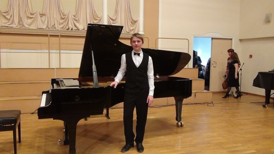 Воронежец победил в международном конкурсе юных пианистов