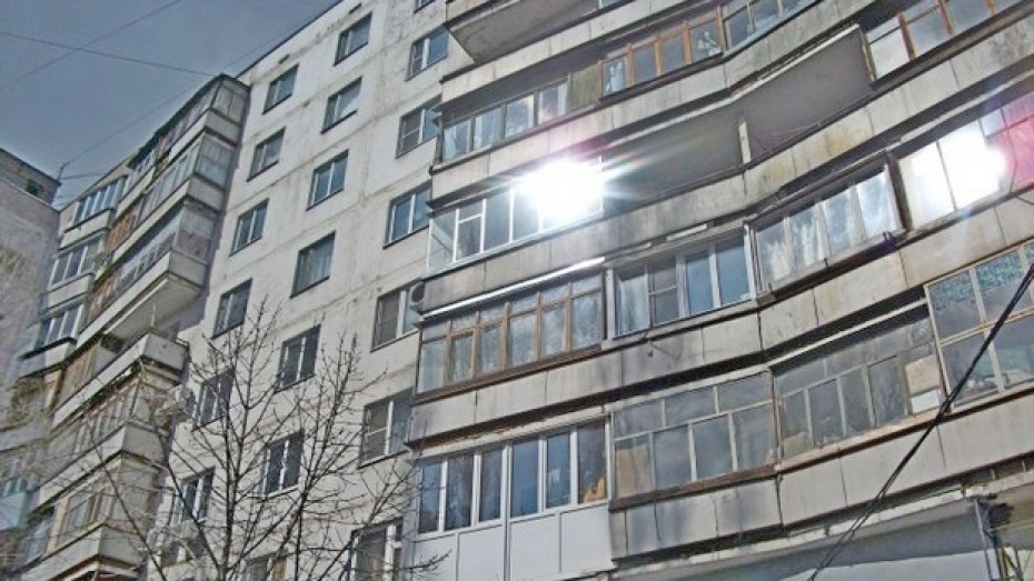В Воронеже женщина выбросилась с 16 этажа