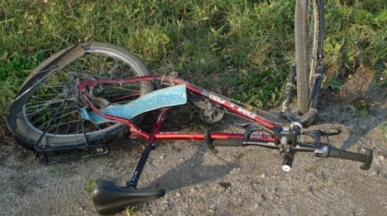 В Кантемировском районе автоледи сбила почтальона на велосипеде