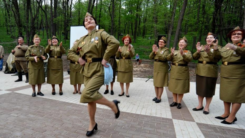 Никитинская библиотека пригласила воронежцев послушать военные шлягеры