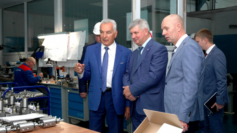 Губернатор Воронежской области поздравил «Космос-Нефть-Газ» с 25-летием