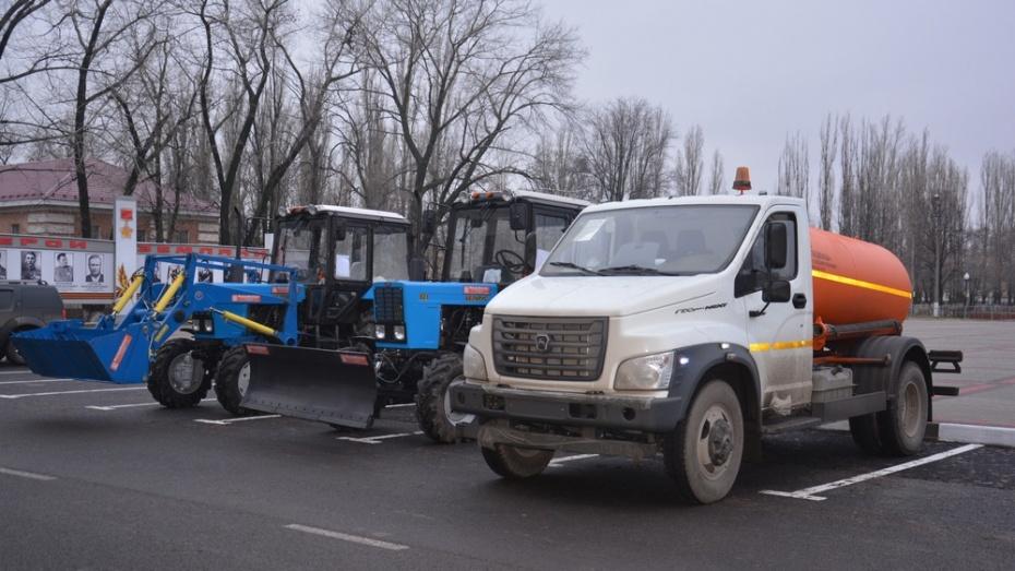 В Поворинском районе 3 поселения получили коммунальную технику