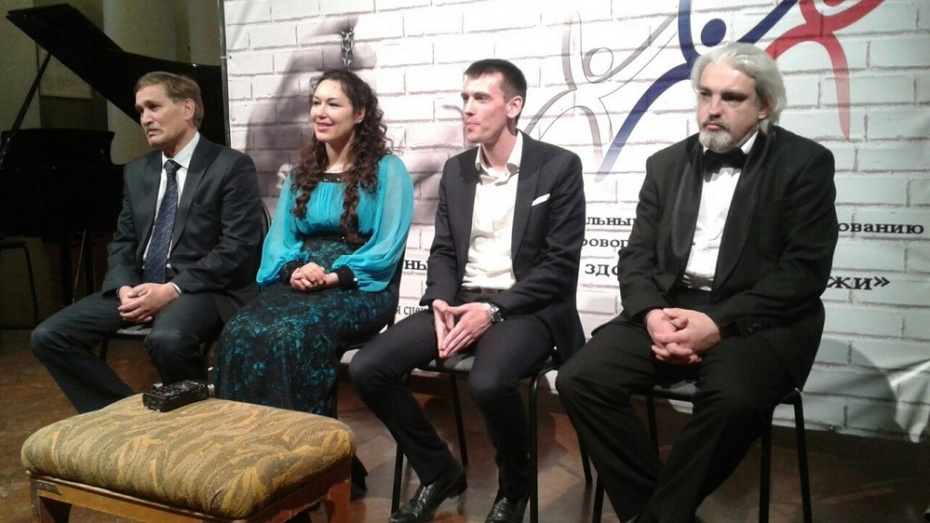 Голландская оперная певица подарила концерт воронежским наркозависимым