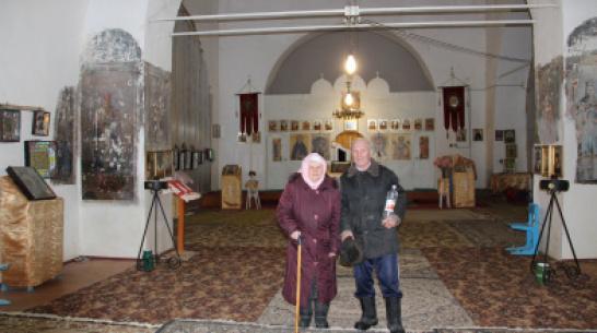 «Помрем, а все вычистим». Как пенсионеры из воронежского села восстанавливают церковь