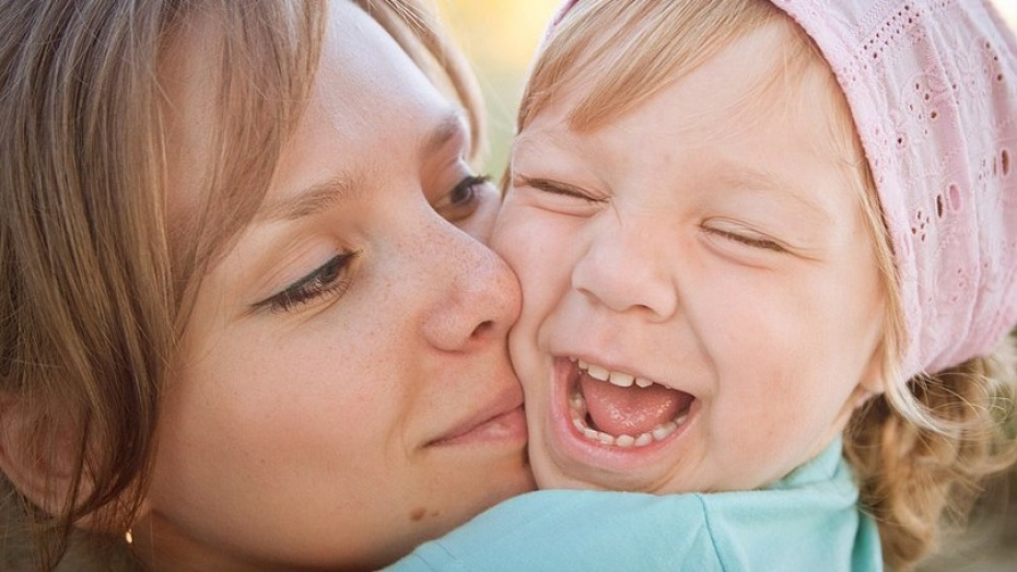 Губернатор и спикер облдумы поздравили воронежских матерей