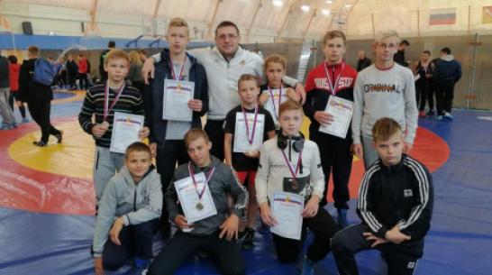 Эртильские борцы завоевали 3 «золота» открытого первенства Воронежа